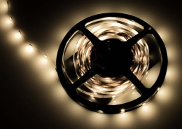 LED Stripe 3-Chip warmwei� mit 30 LEDs/m -Meterware-
